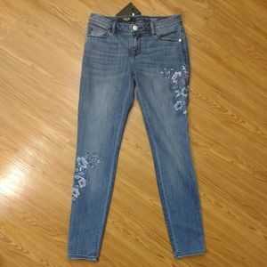 Simply Vera Denim Floral Embroidered Skinny Jeans